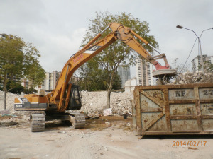 Excavator-with-Magnet-