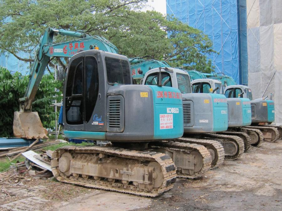 Singapore Excavators Available for Rent | Leong Hin Seng